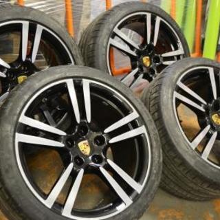 Черный диски Porsche с полировкой спиц и ободов