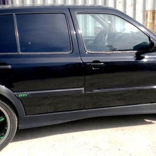 Диски Volkswagen, окрашенные в черный и зеленый